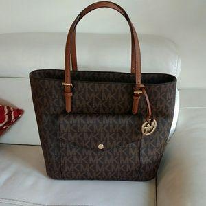 Michael kors large pocket tote bag
